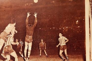 25 de febrero: Chile cae goleado en su debut en la Copa América de 1953 y la U es humillada por Cruzeiro