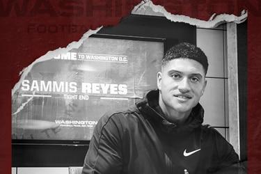 Sammis Reyes firma en su nuevo equipo de la NFL.