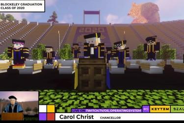 Estudiantes Universitarios se graduaron con una ceremonia en Minecraft