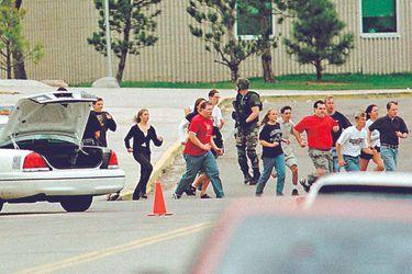 ¿El fin de Columbine? Escuela podría ser demolida a 20 años de la matanza
