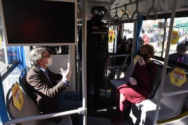 """""""Urbanismo táctico"""": Transportes presenta en Las Condes plan para distanciamiento físico pensando en el desconfinamiento"""