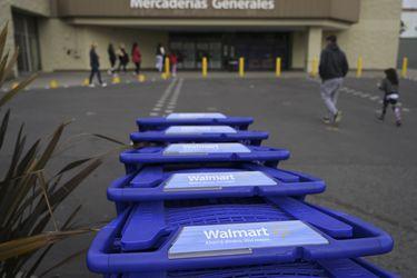 Walmart busca comprador para su negocio en Argentina, pero descarta venta en Chile