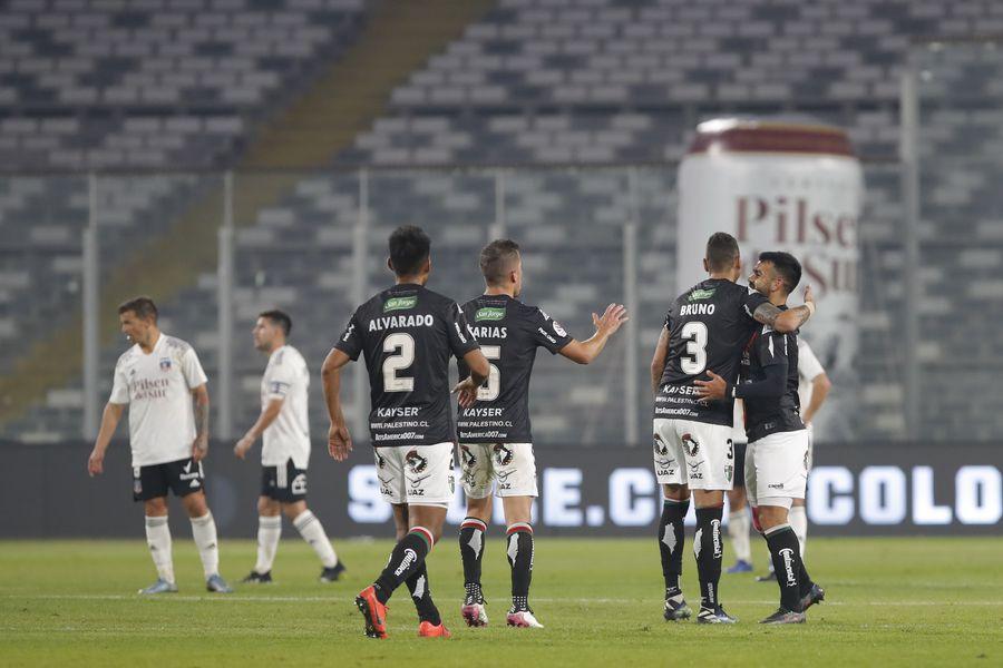 Misael Dávila celebra el 1-2 de Palestino ante Colo Colo, en el estadio Monumental. Foto: AgenciaUno.