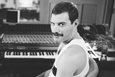 """Freddie Mercury """"sigue"""" enviando regalos de Navidad a sus seres queridos"""