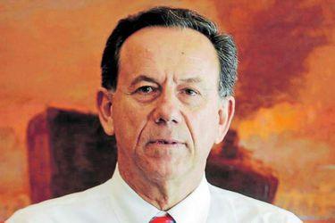 Presidente y cinco directores de Clínica Las Condes cuestionan la OPA de Cecilia Karlezi