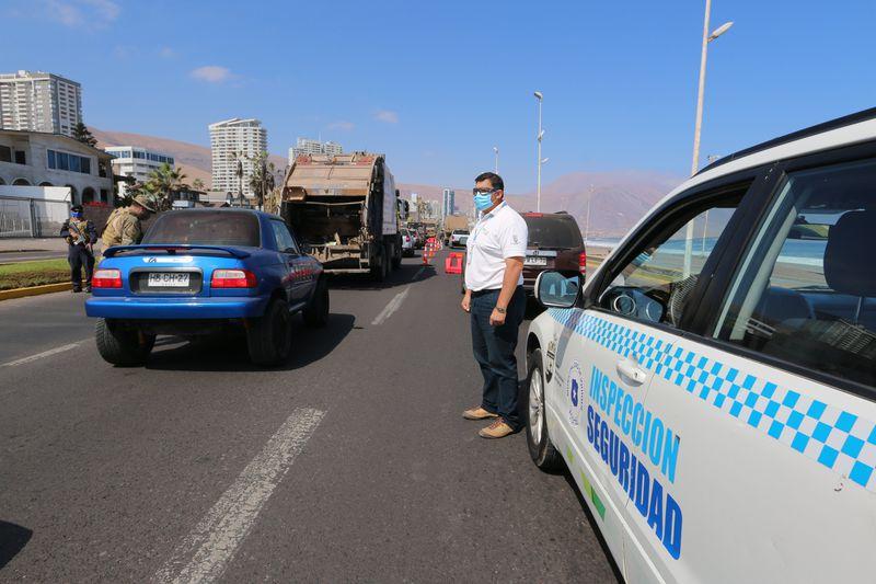 Inspección en las calles de Iquique tras la cuarentena total. Foto: Municipalidad de Iquique.