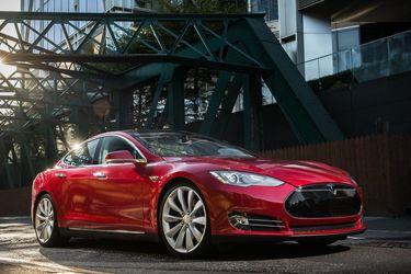 Tesla deberá indemnizar con 13 mil euros a usuarios por disminuir la autonomía de sus autos