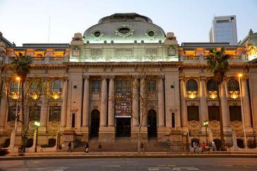 Biblioteca Nacional reabre con atención parcial