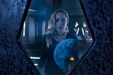 Los extraterrestres están esparcidos a través de la historia en el primer adelanto de la sexta temporada de Legends of Tomorrow