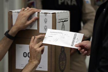 Argentina: elecciones primarias y legislativas se aplazan un mes para dar tiempo a vacunación