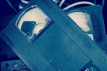 El revival del VHS: lanzamiento de película de Nicolas Cage en este formato avivan el regreso de los video cassette