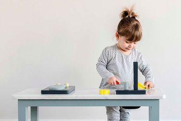¡Sin preocupaciones! Queremos que todos tengan su rincón, por eso preparamos esta guía con datos para adaptar los espacios de la casa mientras los niños explotan su creatividad