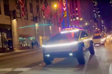 Ahora Elon Musk se pasea por las calles de Nueva York a bordo de la mastodóntica Cybertruck