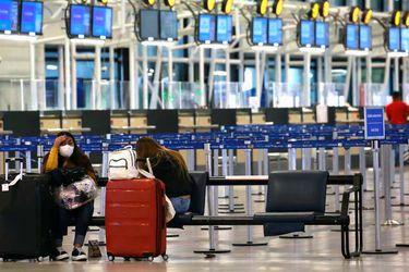 Tráfico aéreo de pasajeros registró fuerte retroceso en el primer semestre y abril fue el mes con el peor desempeño