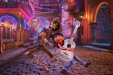 """Cómo Disney+ piensa ganarle a su competencia en Chile: """"Iremos aprendiendo constantemente"""""""