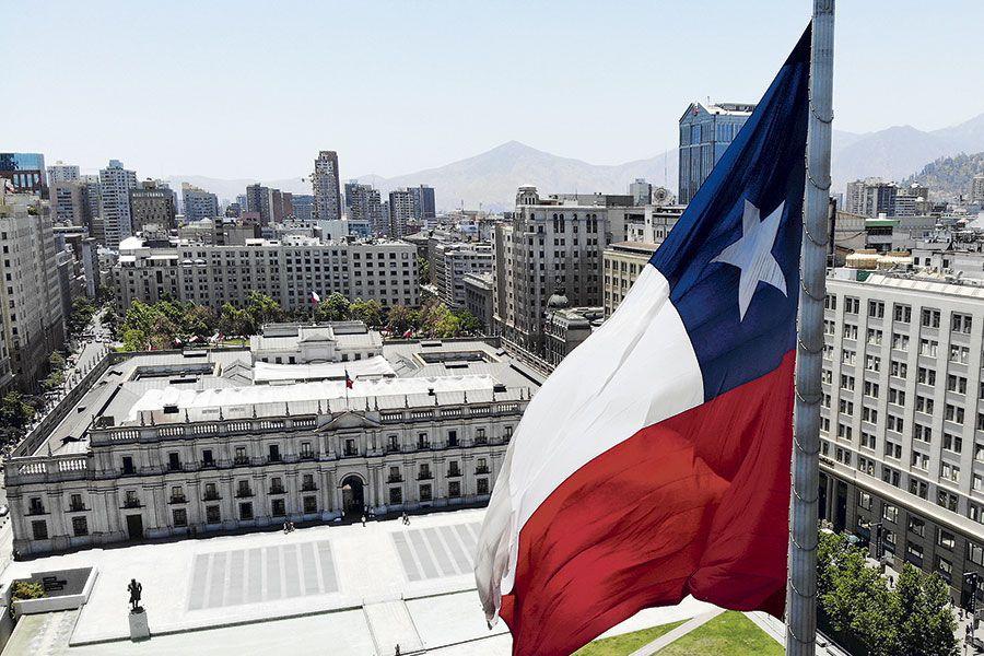 Cepal es más pesimista que el Banco Central y proyecta contracción de 7,9% para la economía chilena este año