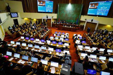 Lo que tienes que saber este martes en La Tercera: Comisión de la Cámara aprueba retiro de fondos de las AFP, La Moneda intenta contener críticas en Chile Vamos y Pellegrini regresa a España