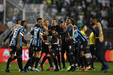 Gremio da el golpe en Sao Paulo y es semifinalista