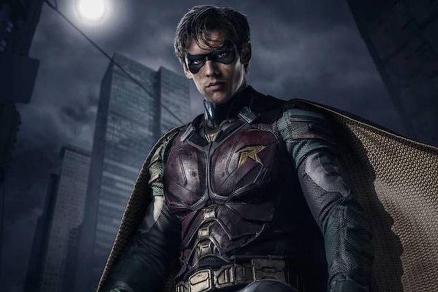 robin titans traje