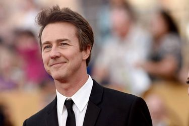 Edward Norton también formará parte de Knives Out 2