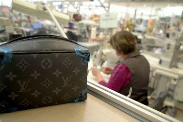 Las ventas de Louis Vuitton se disparan por bolsos de cuero y menos cierres