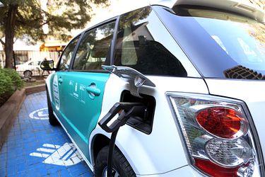 Chile acelera su compromiso con la adopción de los autos eléctricos