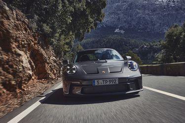 Nuevo Porsche 911 GT3 con pack Touring: más discreción, algo menos de alarde, pero idéntica bravura