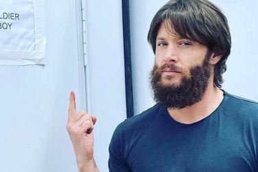 Jensen Ackles tantea su apariencia como Soldier Boy con una nueva foto desde el set de The Boys