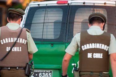 Trabajador resulta herido a bala tras intento de asalto a camión repartidor de mercadería en Santiago centro