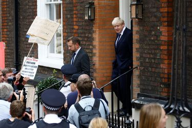 Boris Johnson es trasladado a unidad de cuidados intensivos tras diagnóstico de coronavirus