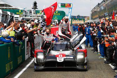 Buemi, Nakajima y Hartley llevan al Toyota 8 a su tercera victoria en Le Mans