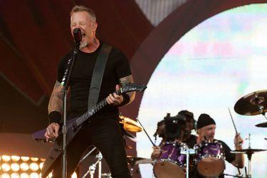 Estudio de abogados chileno que asesoró a grupo Metallica recibe premio