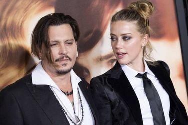 Johnny Depp dice que Amber Heard lo golpeó tras enterarse de sus problemas financieros