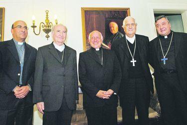 Historia de un recambio: la señal que el Papa espera dar con el caso chileno