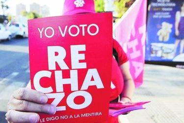 Solo un idiota vota Rechazo