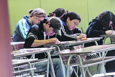La última PSU tuvo que ser rendida en tres tandas, debido a las protestas de escolares contra el sistema, lo que puso urgencia a los cambios.