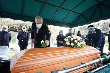 Magdalena Piñera es condenada a pagar multa de 6 UTM por violar norma sanitaria al asistir al funeral de su tío