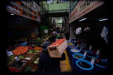 Autoridades sanitarias de Valparaíso cierran Mercado Cardonal por casos de positivos de Covid-19