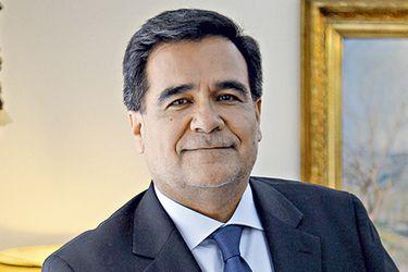 Gobierno ratifica por un nuevo período a Fernando Barraza en la dirección del SII