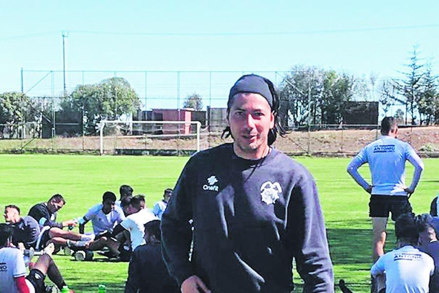 Jaime Valdés, en un entrenamiento con San Antonio Unido.