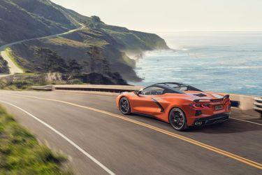 2020-Chevrolet-Corvette-Stingray-Convertible-010