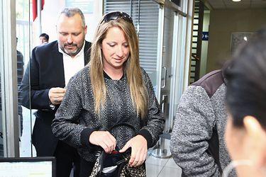 Sebastian Davalos acompaño a Natalia Compagon a juicio por caso Caval
