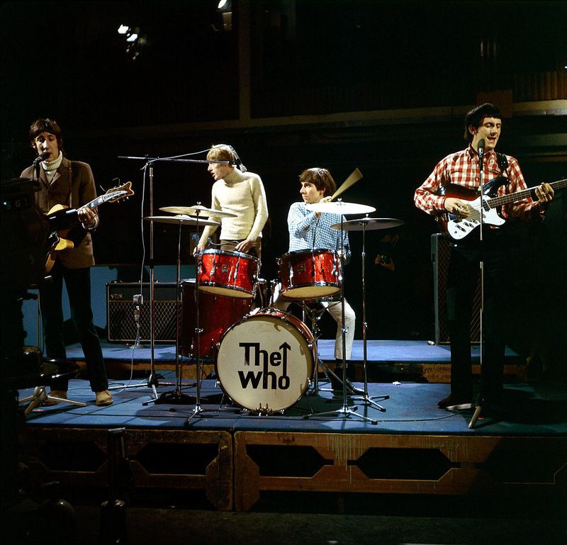 Photo of Keith MOON and Pete TOWNSHEND and WHO and Roger DALTREY and John ENTWISTLE