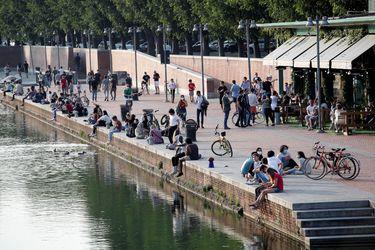 Italia baja en muertos y contagios diarios pero suben los casos activos