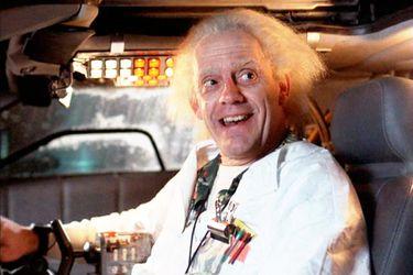 Christopher Lloyd se dedicará a buscar a los DeLoreans utilizados en Volver al Futuro en una nueva serie
