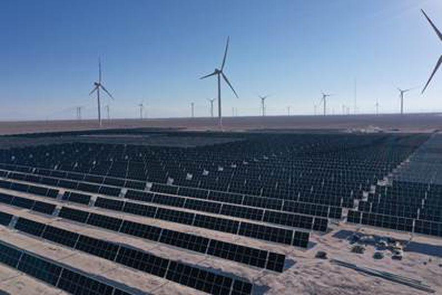 En medio de difícil escenario para el sector eléctrico licitación de 2026 logra baja en precios de clientes regulados