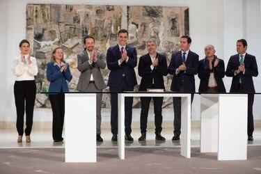 Gobierno de España se somete al examen del coronavirus tras caso de ministra contagiada