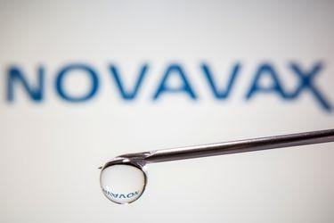 ¿Una sola vacuna que sirva para la influenza y el Covid-19? Novavax anuncia prometedores resultados en primeros estudios de una inyección combinada
