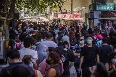 El deudor representativo en Chile tiene obligaciones por $2,2 millones y las mujeres adeudan la mitad que los hombres