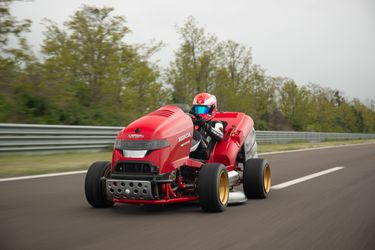 Honda's Mean Mower sets a new GUINNESS WORLD RECORDS® title #MeanMower
